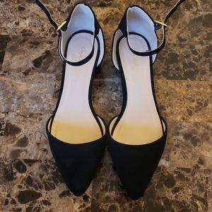 Womens short heel shoes